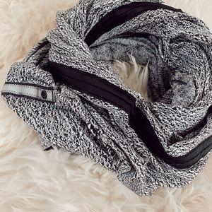 lululemon infinity scarf!
